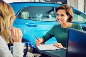 woman car loan